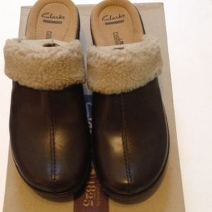 Clarks Women's clogs